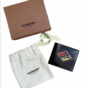 Burberry B Logo Brand New Compact Wallet